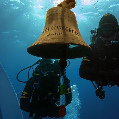 Italian poliisin heinäkuun alussa julkistamaa kuvaa Costa Concordialta.