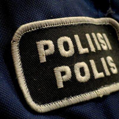 poliisin rintamerkki