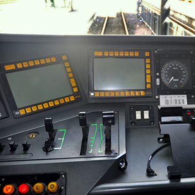 Sm4-taajamajunan ohjaamo