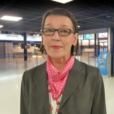 Oulun lentoaseman päällikkö Liisa Sallinen