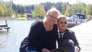 Monica Björkell-Ruhl med sonen Mikael Ruhl