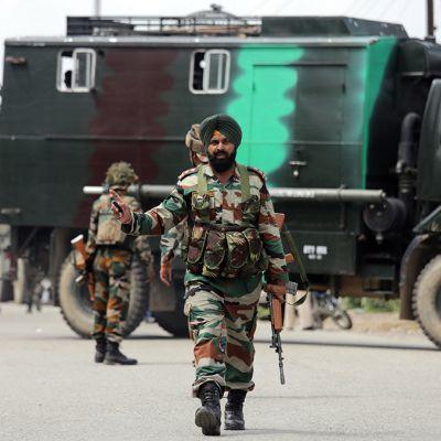 Hyökkäys Dinangarin kaupungin poliisiasemalle on ohi 27. heinäkuuta Intiassa.