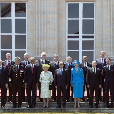 Maailman johtajat yhteiskuvassa Ranskan Normandiassa 6. kesäkuuta 2014.