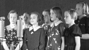 Tytöt laulalavat