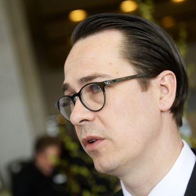 RKP:n puheenjohtaja Carl Haglund
