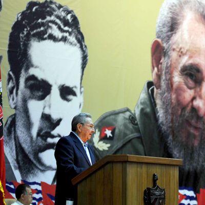 Cuba Castro pitää puhetta