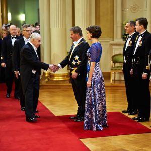 Tuomas Gerdt hälsade på presidentparet som förste gäst