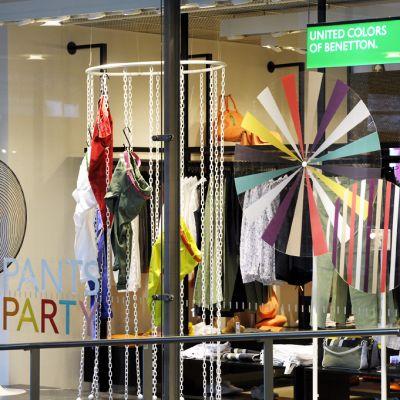 Benetton säger sig ha beställt ett klädparti från en fabrik i Dhaka