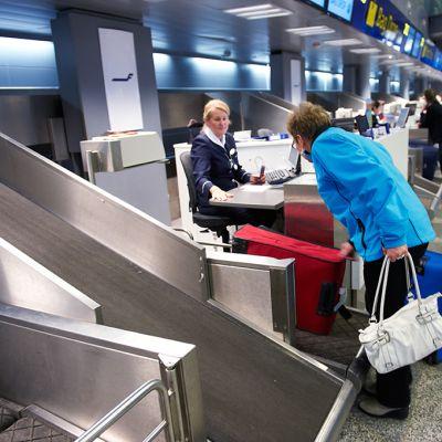 Bag Drop piste lentokentällä.