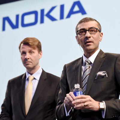 Risto Siilasmaa ja Rajeev Suri Nokian tiedotustilaisuudessa.