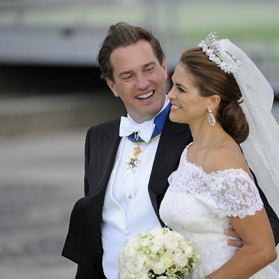 Prinsessa Madeleine ja Chris O'Neill kuvattuna heidän hääpäivänään 8. kesäkuuta 2013.