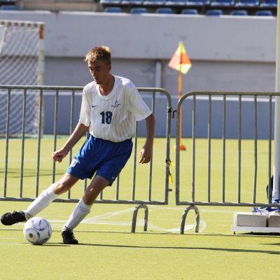 Jyväskyläläinen Juho Lappalainen edustaa Suomea Unified-jalkapallossa.