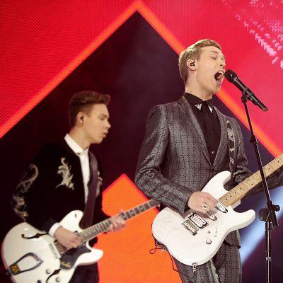 Softengine esiityy Uuden Musiikin Kilpailussa.