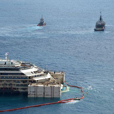 Costa Concordia -alusta nostettiin 14. heinäkuuta 2014.