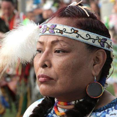 Monet intiaanit eivät ole välittäneet kielitaitoaan lapsilleen, koska ovat kokeneet syrjintää nuorempana alkuperänsä takia.