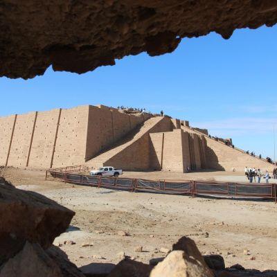 Ziggurat eli porraspyramidi Urin muinaisessa kaupungissa nykyisen Irakin Dhi-Qarin maakunnassa.