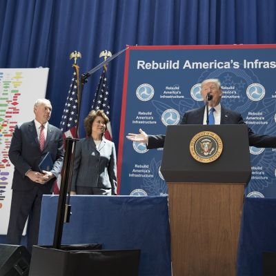 Presidentti Donald Trump esitteli infrastruktuuriohjelmaansa Washingtonissa 9. kesäkuuta 2017.