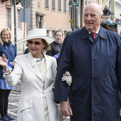 Norjan kuningas Harald ja kuningatar Sonja vierailivat Helsingissä Suomen 100-vuotisjuhlallisuuksissa 1.6.2017.