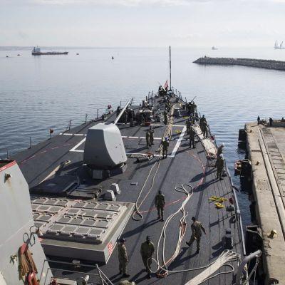 sotalaivan keulakansi