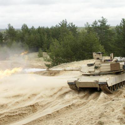 abrams-panssarivaunu ampuu