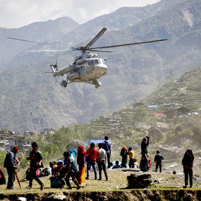Utländska fotvandrare saknas i Nepal