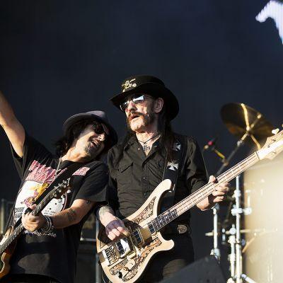 Kitaristi Phil Campbell ja Lemmy Kilmister VOLT festivaaleilla Budapestissa heinäkuussa 2015.