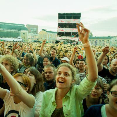 Yleisö oli haltioissaan Manic Street Preachersista.