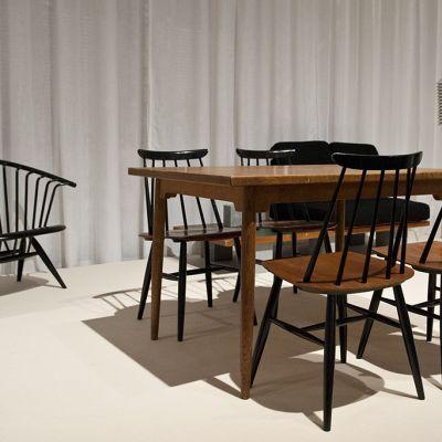 Muotoilija Ilmari Tapiovaaran näyttely Designmuseossa Helsingissä 5. kesäkuuta 2014.