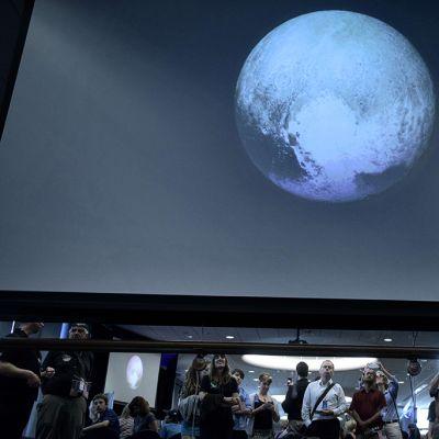 New Horizons -luotaimen lentoa seurattiin Johns Hopkinsin yliopistossa Laurelissa, Marylandissä 14. heinäkuuta.