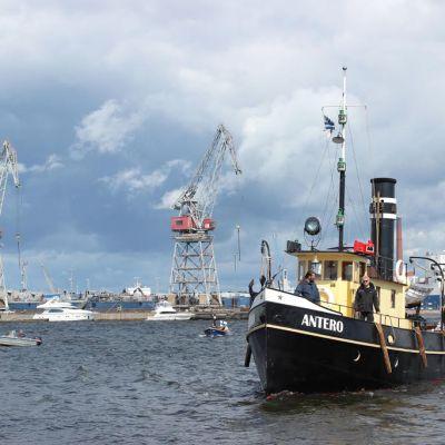 Kotkan Meripäivillä järjestettyyn höyrylaivaregattaan osallistui kymmenen vanhaa höyryalusta