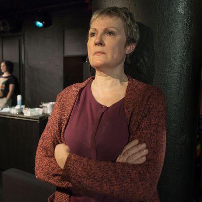Wanda Dubiel ja Tiina Weckström Teatter Jurkan Hyvää yötä äiti -näytelmässä.
