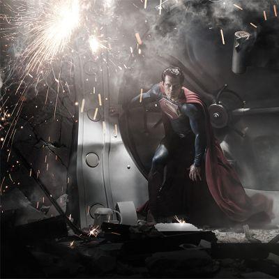 Henry Cavill Teräsmiehenä Man of Steel -elokuvassa.