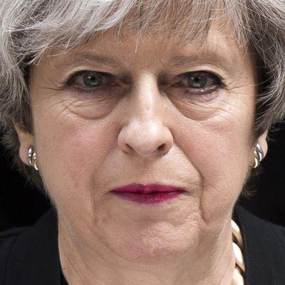 Theresa May puhui medialle koskien sunnuntain vastaisen yön terrori-iskua Lontoossa 4. kesäkuuta.