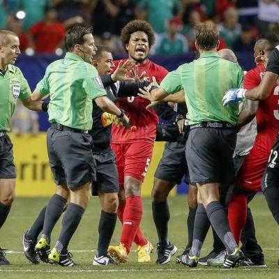 Tunteet kuumenivat Panaman ja Meskikon ottelussa