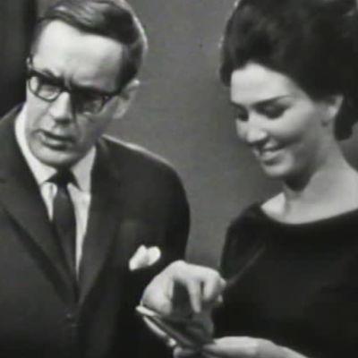Niilo Tarvajärvi ja Lenita Airisto Laatikkoleikissä vuonna 1964.