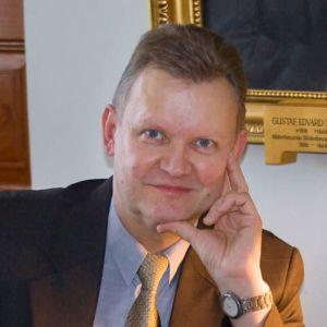 Bibliotekarien och författaren Kai Ekholm.