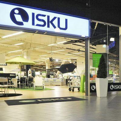 Iskun liike Lanternan liikekeskuksessa Helsingissä 26. kesäkuuta 2012.