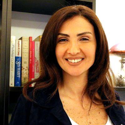 Toimittaja Rima Karaki kotonaan Beirutissa maaliskuussa 2015.