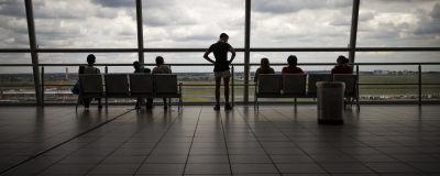 Passagerare på flygplatsen OR Thambo International airport i Johannesburg i december 2020.