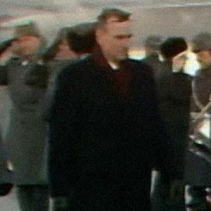 Presidentti Mauno Koivisto ja Neuvostoliiton pääministeri Nikolai Ryzhkov Seutulan lentokentällä 1987.