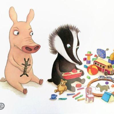 Julia Vuoren piirroshahmot sika ja mäyrä leikkivät leluilla.