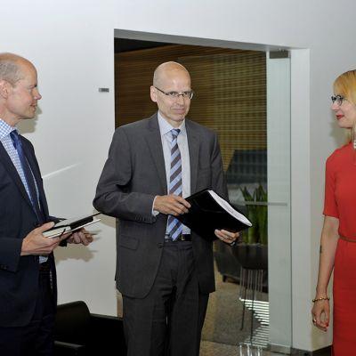 Olli Pekka Heinonen, Martti Hetemäki ja Tytti Tuppurainen.