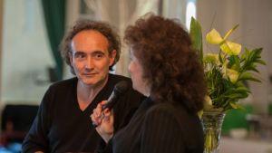 Sini Sovijärvi haastattelee kirjailija Noël Balenia.