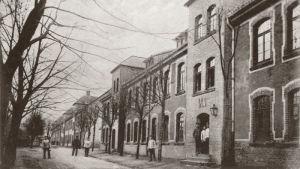 Gammalt vykort av baracken M1 i Lockstedter Lager