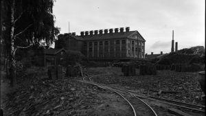 Kupittaan savis fabrik på Österås i Åbo på 1930-talet.