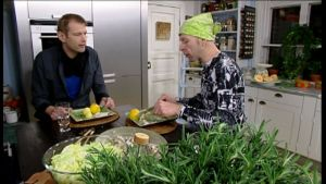 Matias och Stefan avnjuter tre fiskrätter.