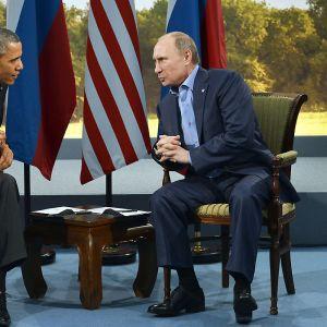 Obama och Putin diskuterade Syrien under G8-mötet