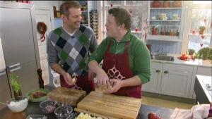 Matias Jungar och Michael Björklund i Strömsös kök.