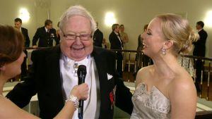 Lasse Pöysti och sondottern Alma hade roligt