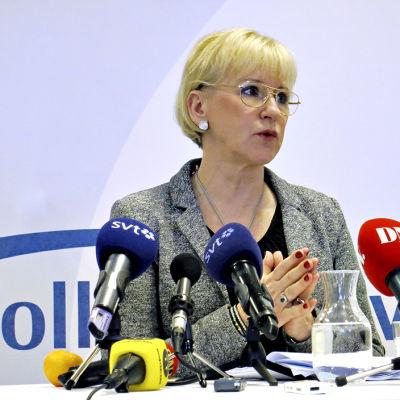 Hård debatt om Nato i Sverige